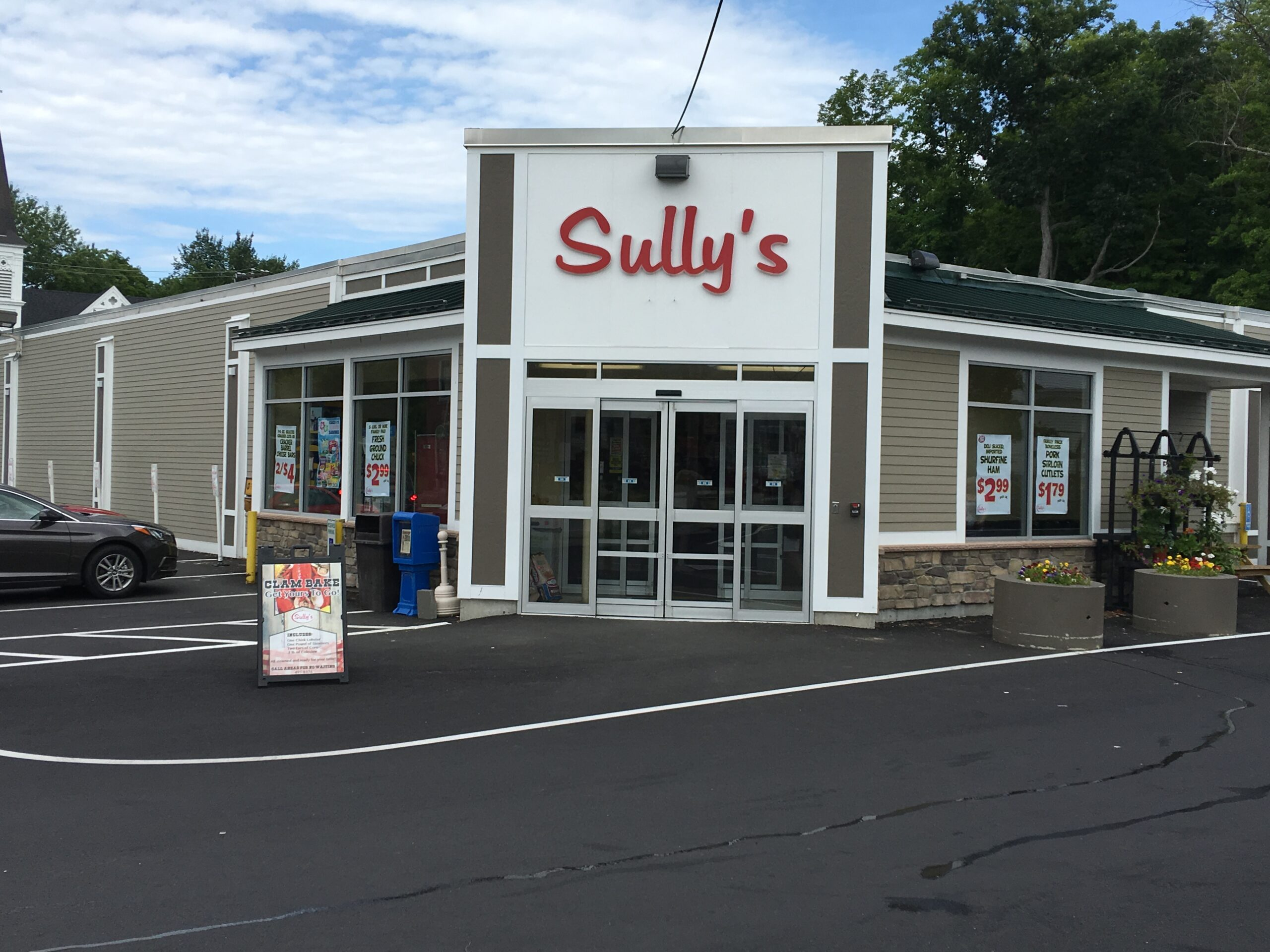 Sully's Superette in Goffstown, NH